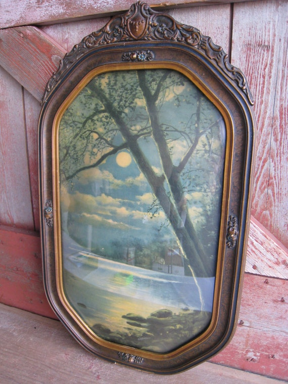 Convex Bubble Glass Antique Picture Frame With Moon Shining