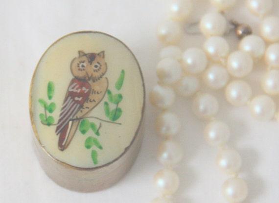 Vintage Small Brass Box, Pill Box/Mint Box, Mother-Of-Pearl Owl Decor