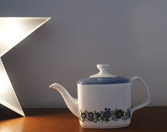 Vintage Royal Doulton Esprit Teapot