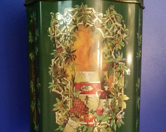 Vintage Christmas Tin Can / Avon / Canister / Made In England / Avon Christmas / 1981 / 80s / Candles / Christmastime / Gift / Can / Holiday