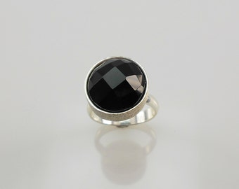 Silver Ring with Black Onyx in cabochon shape Taye 14mm
