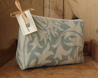 William Morris Thistle Cosmetic Bag Slate / Gold