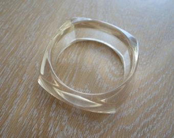 Vintage transparent bracelet
