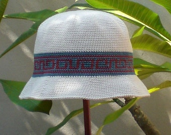 Crochet bucket hat pattern with hatband motif for men and women
