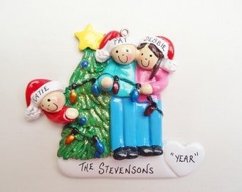 Family of 3 Personalized Ornament Decorating Christmas Tree - Family of Three Personalized Ornament Decorating Christmas Tree