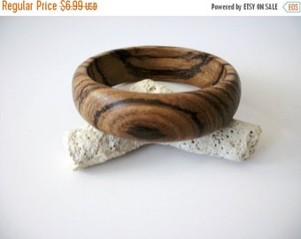 ON SALE Vintage African Wood Bangle 82516