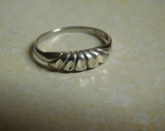 Vintage Sterling Silver Ring ( Size 6 )