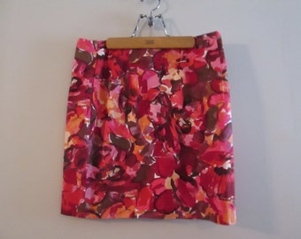 Ladies Pink Floral Skirt by Paul et Duffier. Made in the Israel. Size 12