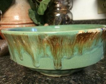 Roseville Robinson Ransbottom Brown Drip Glaze Bowl, Scalloped Swirl Base