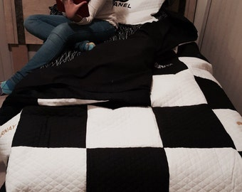 Chanel Bedding Set: Twin size bedding set inspired by Chanel