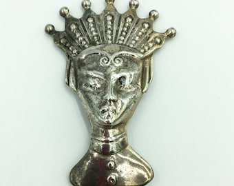 Vintage  Sterling chess piece queen  brooch/ Sterling Silver/ 1940's