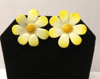 SALE: Vintage Denton bone china made in England daisy earrings.