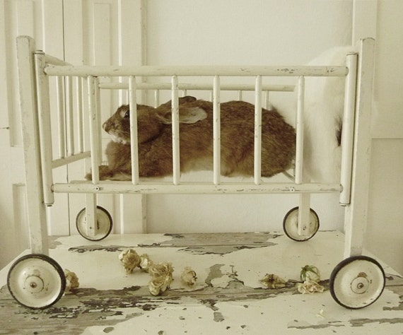 Antique baby wood doll crib on wheels charmant for Baby bed with wheels