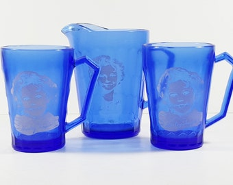 Vintage Cobalt Blue Glass Shirley Temple Pitcher and Two Cups. Vintage Retro Kitchen Kid's Decorations. Old Hollywood Collectibles.