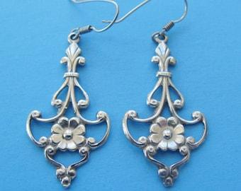 Vintage Silver Floral Swag Earrings Pretty Delicate Elegant Drop Dangle Flower Garlands Lightweight Pierced