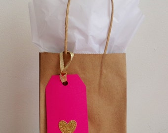 Gift Bag - 5 Gift bag, 5 Gift Tag, 5 Tissue Paper Bundle - Valentine's Day Gift Bag - Heart Gift Bag- Valentine's Day Gift wrap