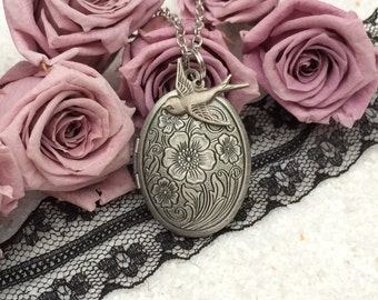 Necklace Medallion Silver Birdy