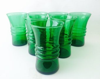 Vibrant Green Blown Glass Tumblers, Set of Seven, 1950's Anchor Hocking