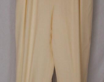 Liz Claiborne Collection Buttercream Crepe Pants Size 8