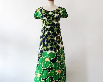 1970s vintage flora dress