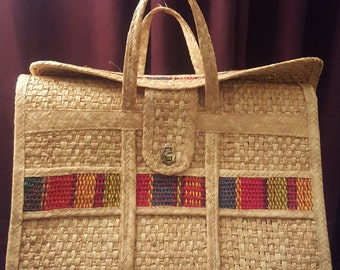 Vintage Wicker Tote Overnight Bag Wicker Travel Bag Beach Tote Serape Style Vintage Fashion Reusable Grocery Tote Diaper Bag Weekend Bag