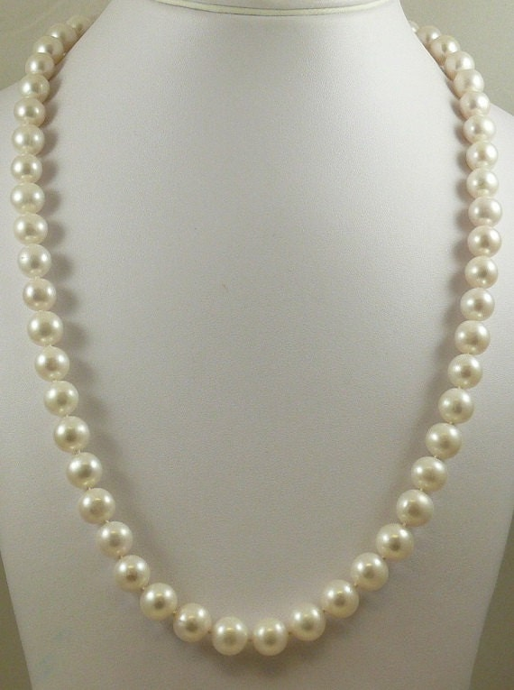Freshwater White Pearl Necklace 14k White Gold Clasp 35 Inches