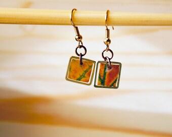 Handmade earrings made of resin and real oak leaf