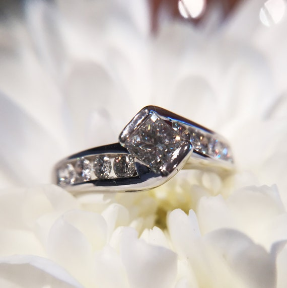 1.2ct Diamond Ring Made of 18 kt White Gold