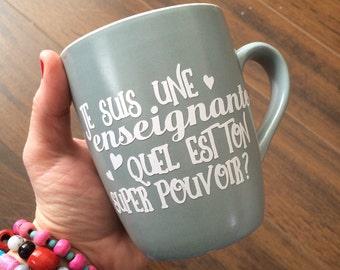 """Autocollant """"Je suis une enseignante, quel est ton super pouvoir"""" pour coller sur tasse de café, pot mason, thermos"""