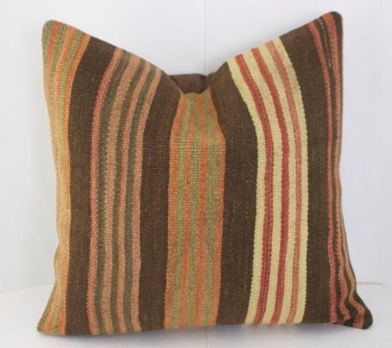 Throw Pillows With Matching Rug : Oriental Rug Pillow Interior Design Throw Pillow Sets