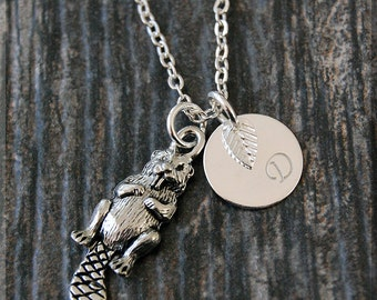 Silver Beaver Charm Necklace, Initial Charm Necklace, Personalized, Beaver Pendant, Wild Life Jewelry, Monogram Forest Animal Necklace