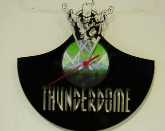 THUNDERDOME wallclock made of old used vinyl record.