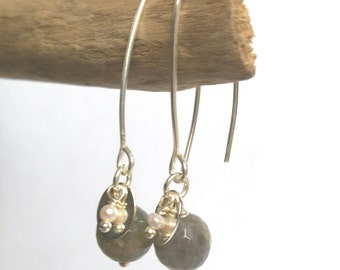 """Earrings """"Atoms Crochus"""" - Labradorite, pearls of freshwater and Silver 925"""