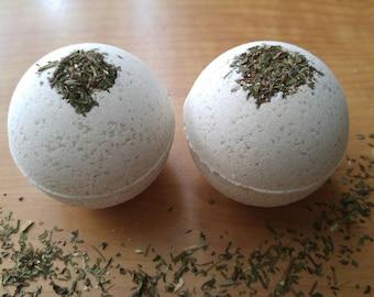 Organic spearmint and eucalyptus bath bomb. Artic bath bomb. Botanical.