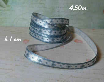Polyester decorative ribbon with hearts