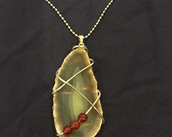 Wire wrapped large agate