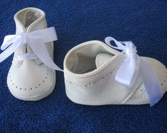 Shoes, white for girls and boys, genuine leather