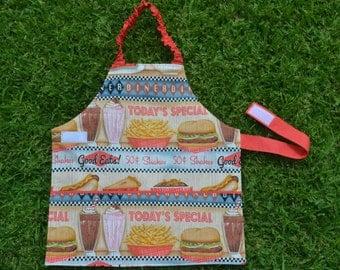 Girls apron, kids apron, Self-sufficiency apron, Montessori apron, childrens apron, preschool apron, 3 to 5 years, take away food, diner