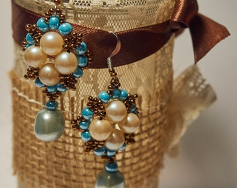 Vintage earrings with white pearls and turquoise beads