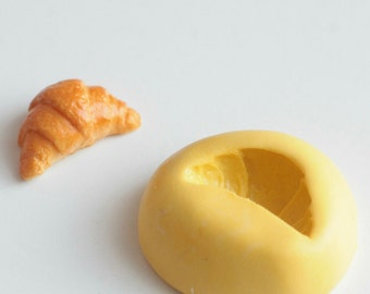 Mold silicone realistic Croissant 1.6 cm. Miniature polymer clay, resin, airclay, creation