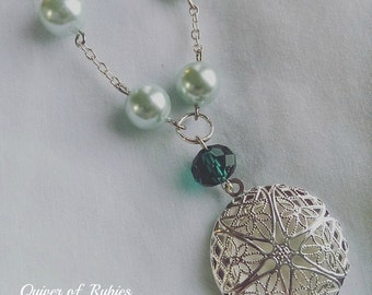 beautiful green  aromatherapy locket