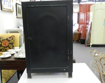 1930's Metal Food Safe