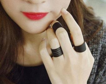 3ps. black rings. adjustable rings