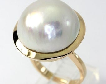 Vintage Mobe pearl ring 18K yellow gold 20 MM dramatic size 7 birthstone 13.2 GM