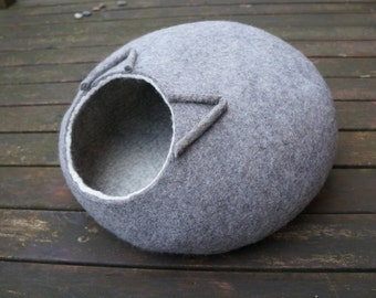 Pet bed Cat bed Grey cat cave Wool bed Pet supplies Cat furniture Felted cat bed Felted cave cat nap cocoon Cat house Pet furniture