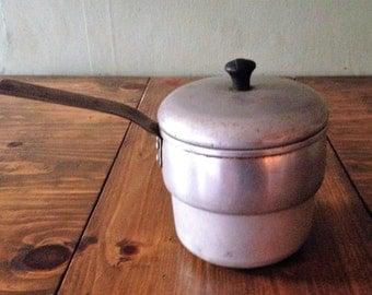 Vintage 1950s Wear Ever Wear-Ever 6 cup sauce soup pot aluminum metal primitive cookware cooking pan retro farmhouse colonial silver lid