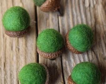 Green Needle Felted Acorns. Wool Acorns, Natural toy. Home Decoration. Eco - friendly. Felt acorns. Set of 6