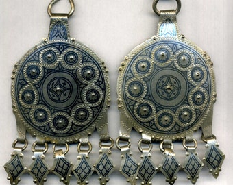 Morocco - ethnic - superb items for earrings or pendants in silver and niello