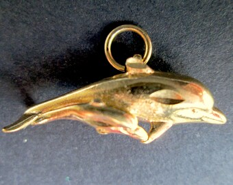 Sweet Vintage Mother & Baby Dolphin Pendant Gold Tone Marine Mammal Cute 3D Fun Adorable