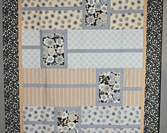 "Boxtrot 'Shades of Gray' homemade quilt. 68""x80"" in size. Floral design. SHIPS FREE!"